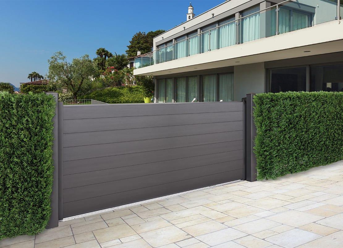 portail coulissant en aluminium carene automatismes et portes paris versailles yvelines. Black Bedroom Furniture Sets. Home Design Ideas
